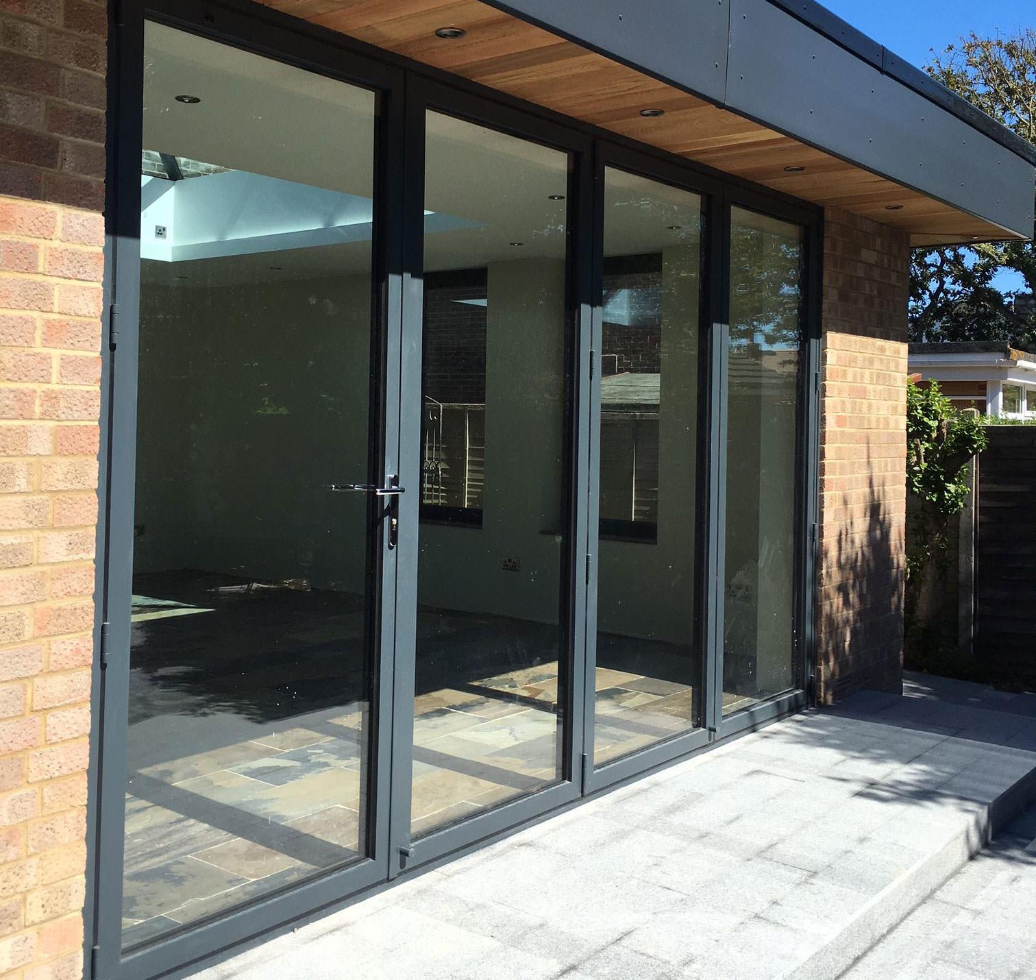 Hampshire aluminium bi-fold doors